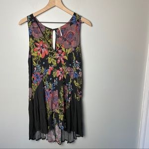 Free People Floral Tunic Top size Small